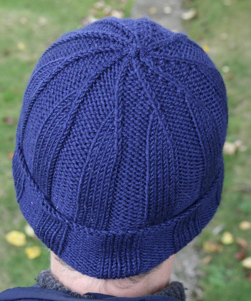 Focalise Knitting pattern by Kirsten Mcteer