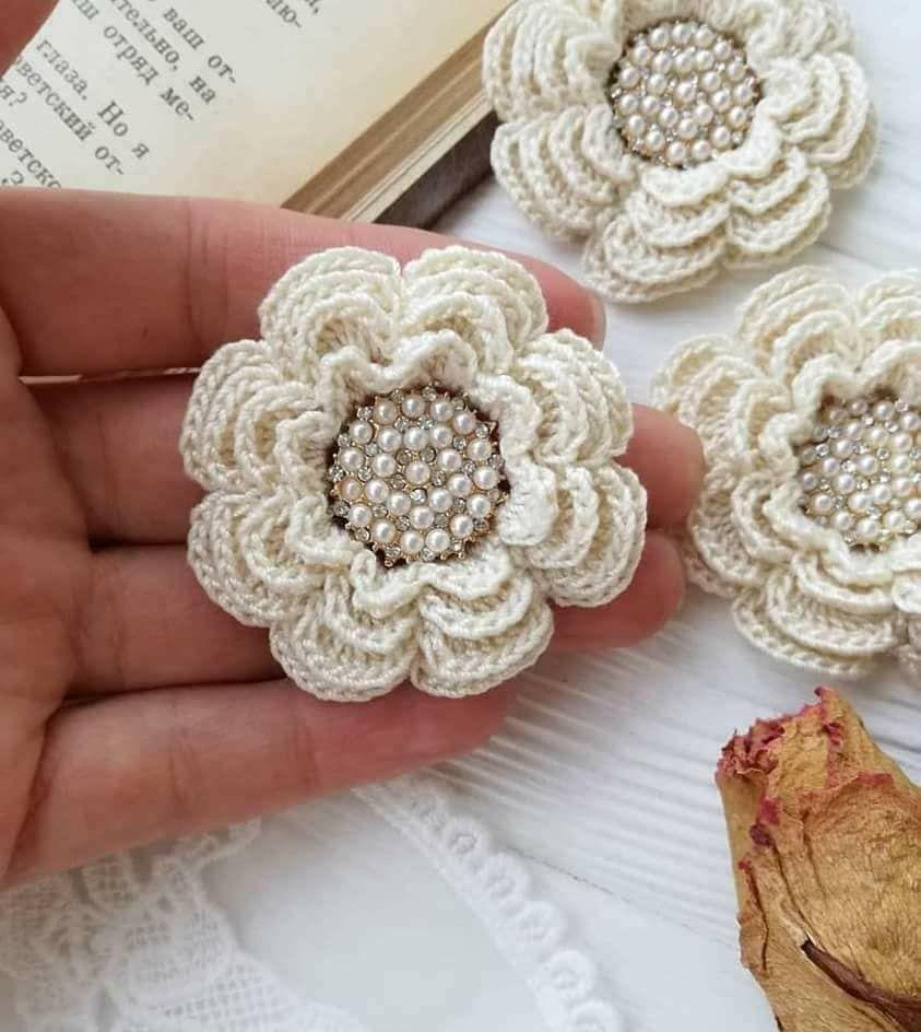 Luty Artes Crochet Flores De Croche Com Perolas Com Imagens