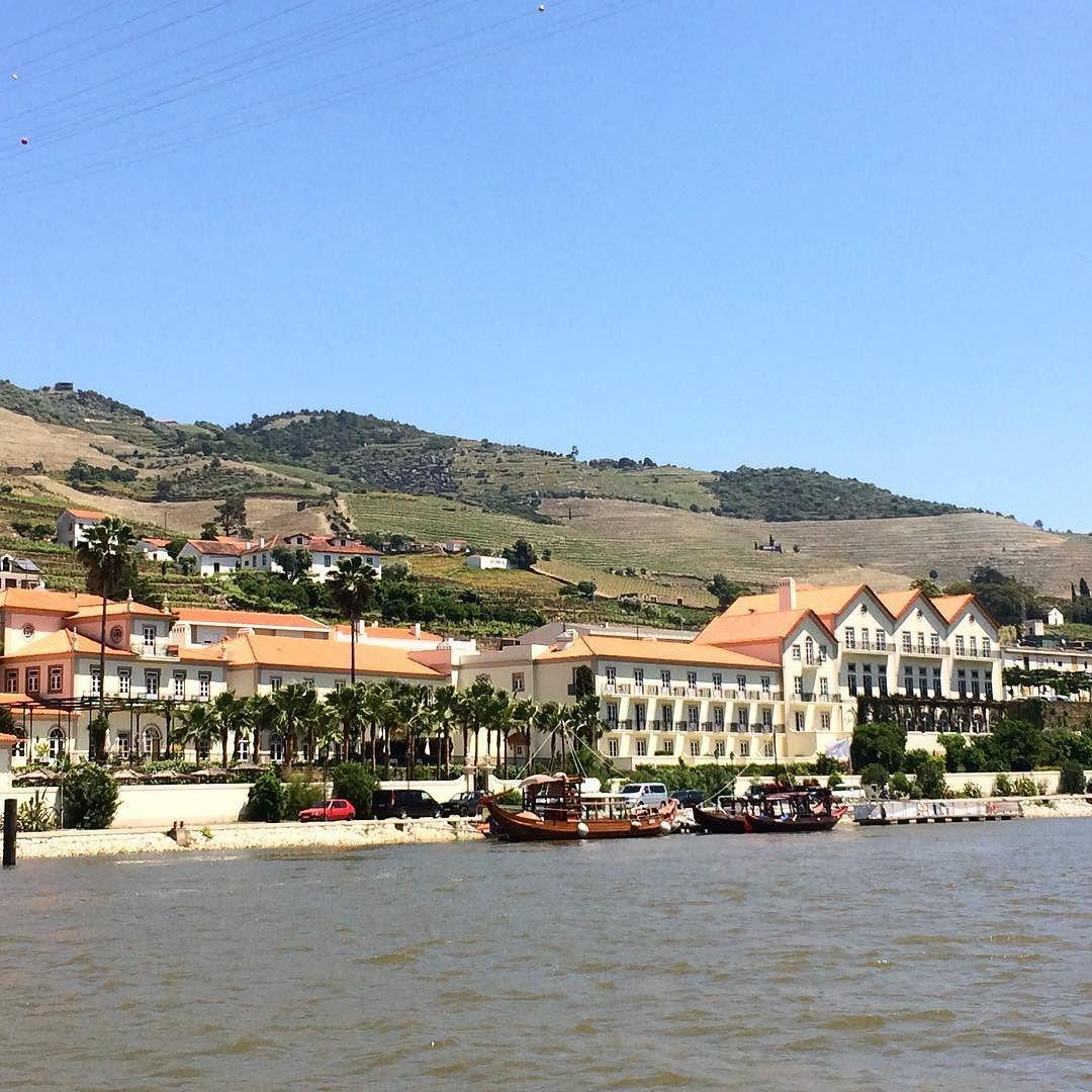 Wine tour  saliendo del puerto de Pinhão  Valle del Douro  #portugal #douro #pinhão #wine #winetour #instagram #instapic by natimatalobos