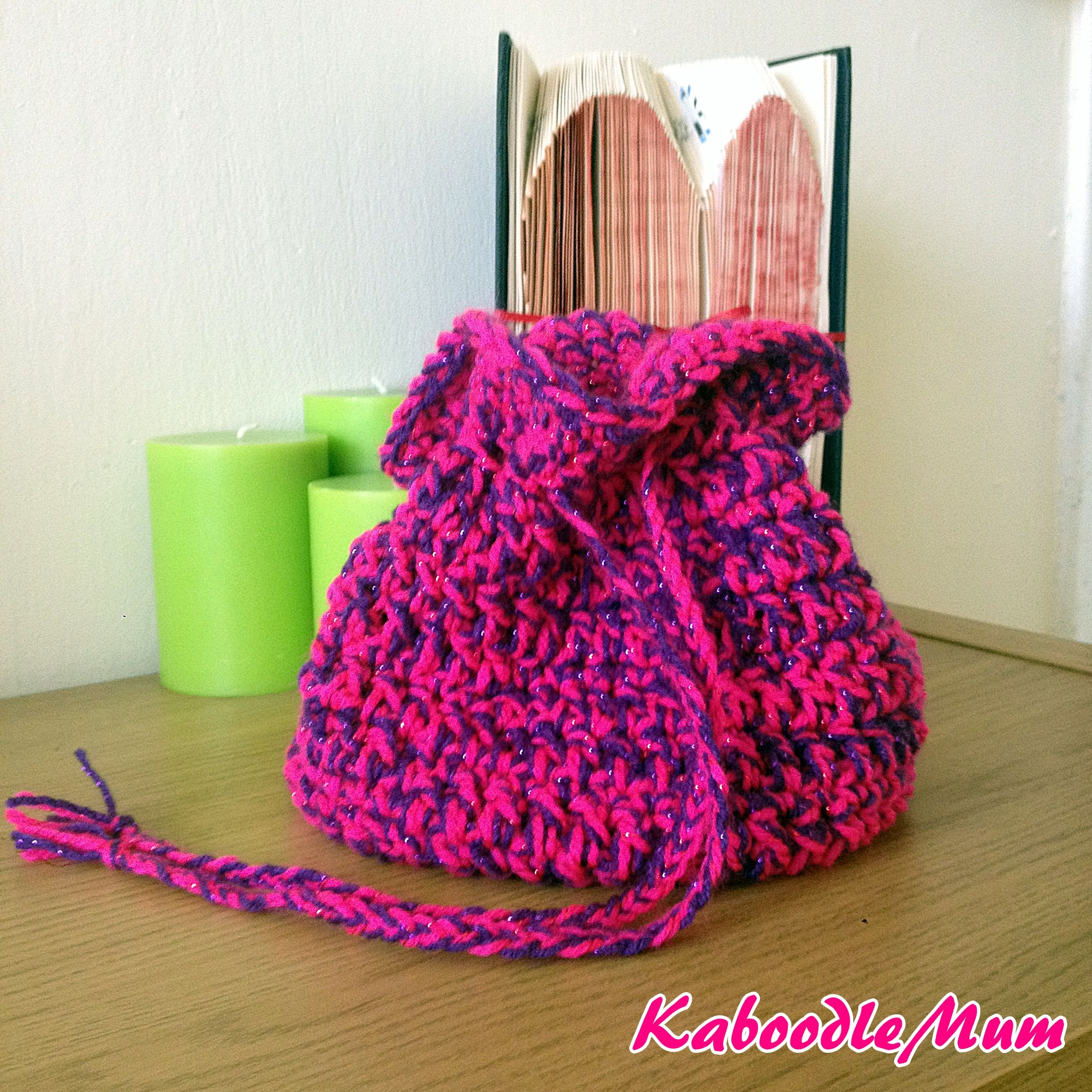 25 round drawstring bag - free crochet pattern by Faye Lobeck ...