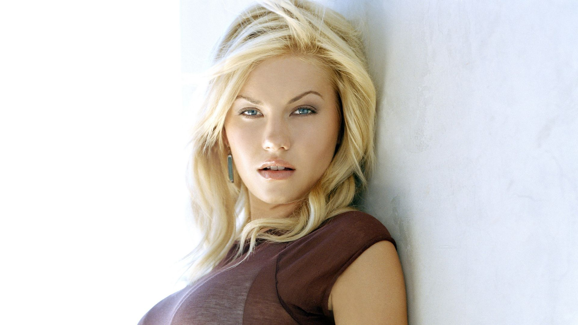 Elisha Cuthbert Hd Wallpapers Backgrounds Wallpaper In 2019
