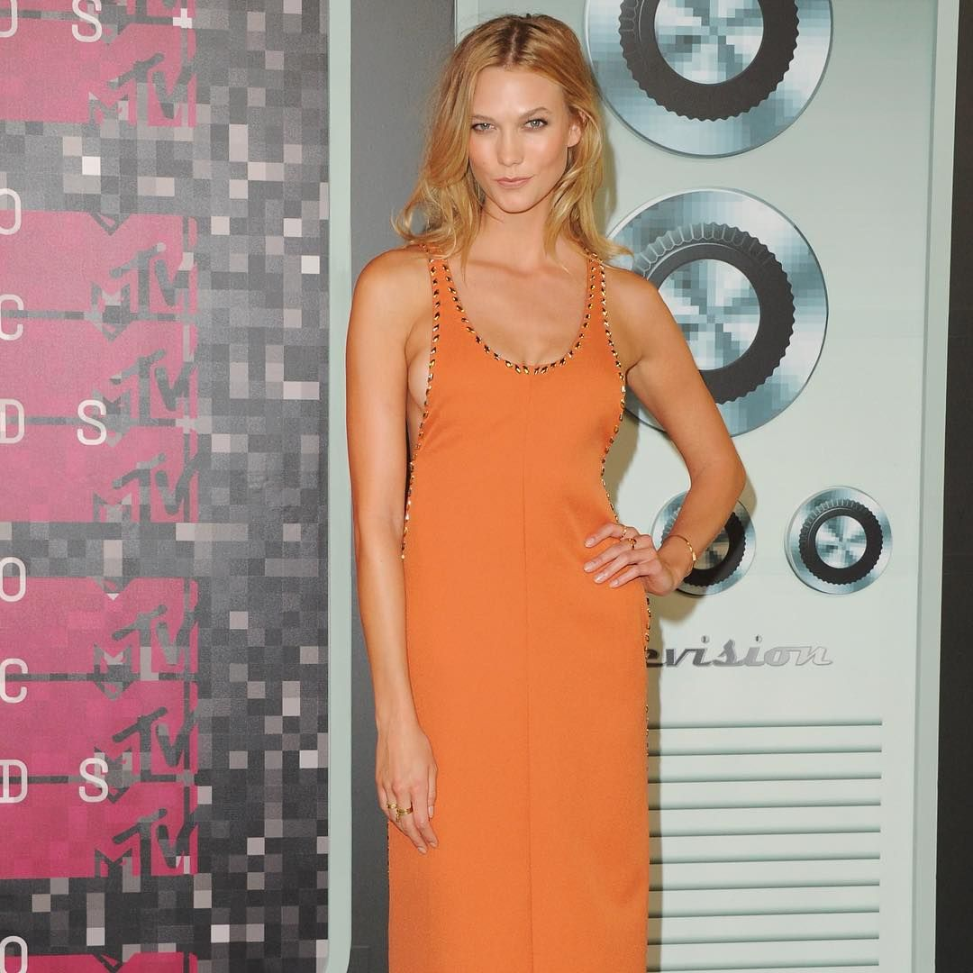 """Karlie Kloss (@karliekloss) wearing #LouisVuitton #LVCruise by @nicolasghesquiereofficial to the 2015 MTV Video Music Awards in Los Angeles"""