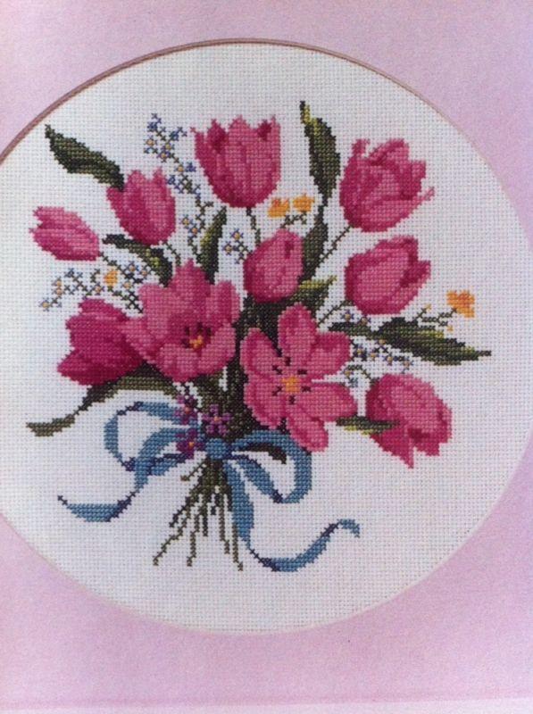 "Vintage Cross Stitch Kit Tulip Bouquet The Creative Circle 9"" x 9"" | eBay"