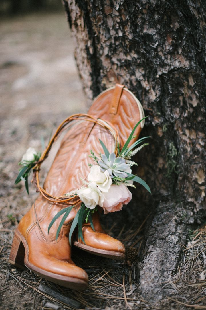 Southern style boots | fabmood.com #wedding #rusticwedding #weddingstyle #ido #weddinginspiration