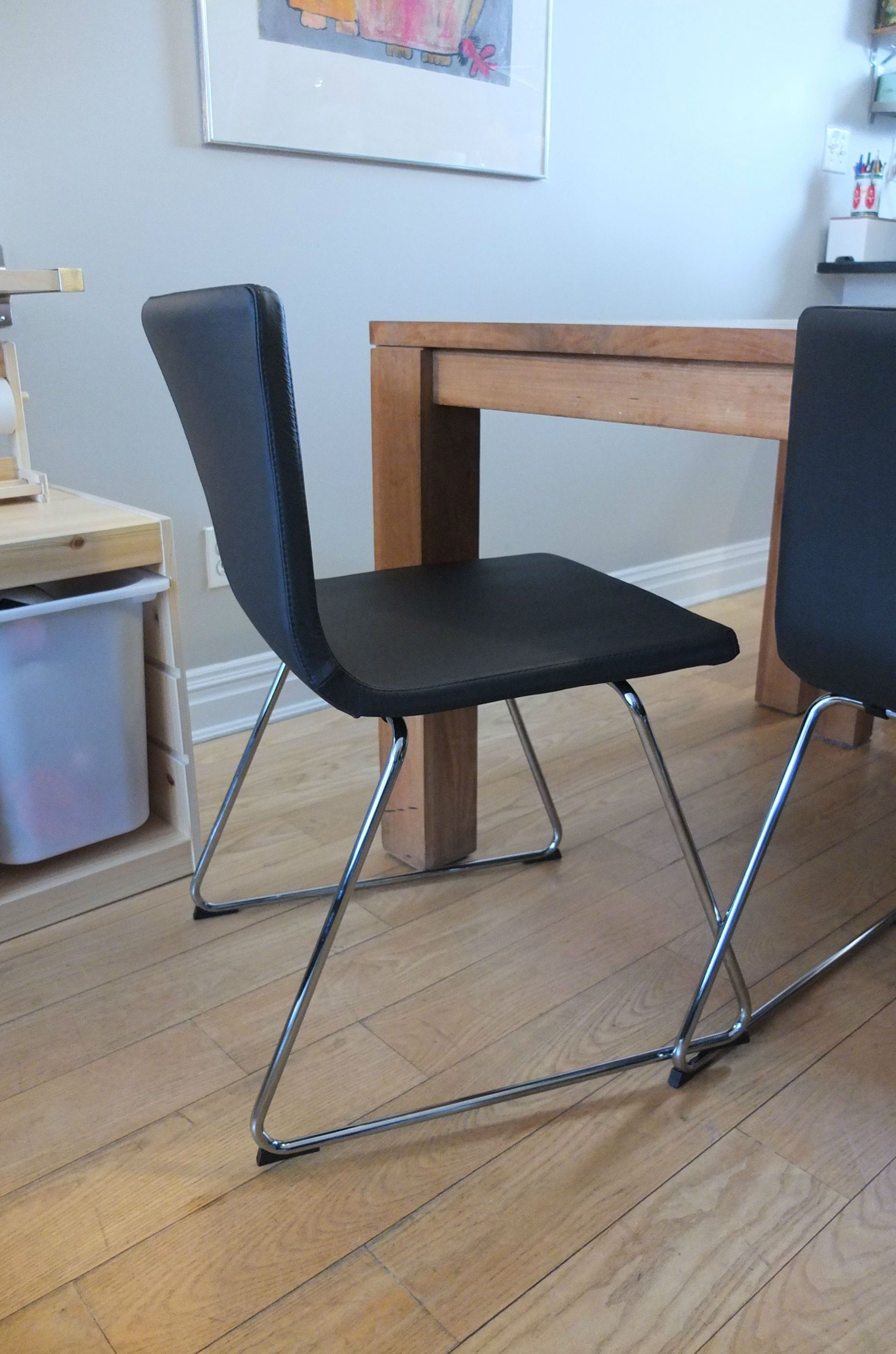 Durable leather makes the bernhard chair easy to clean for Barhocker 90 ikea