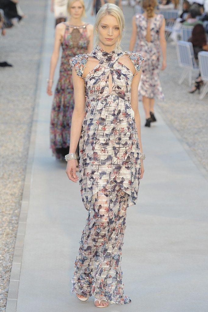 Chanel Resort 2012 Fashion Show - Melissa Tammerijn