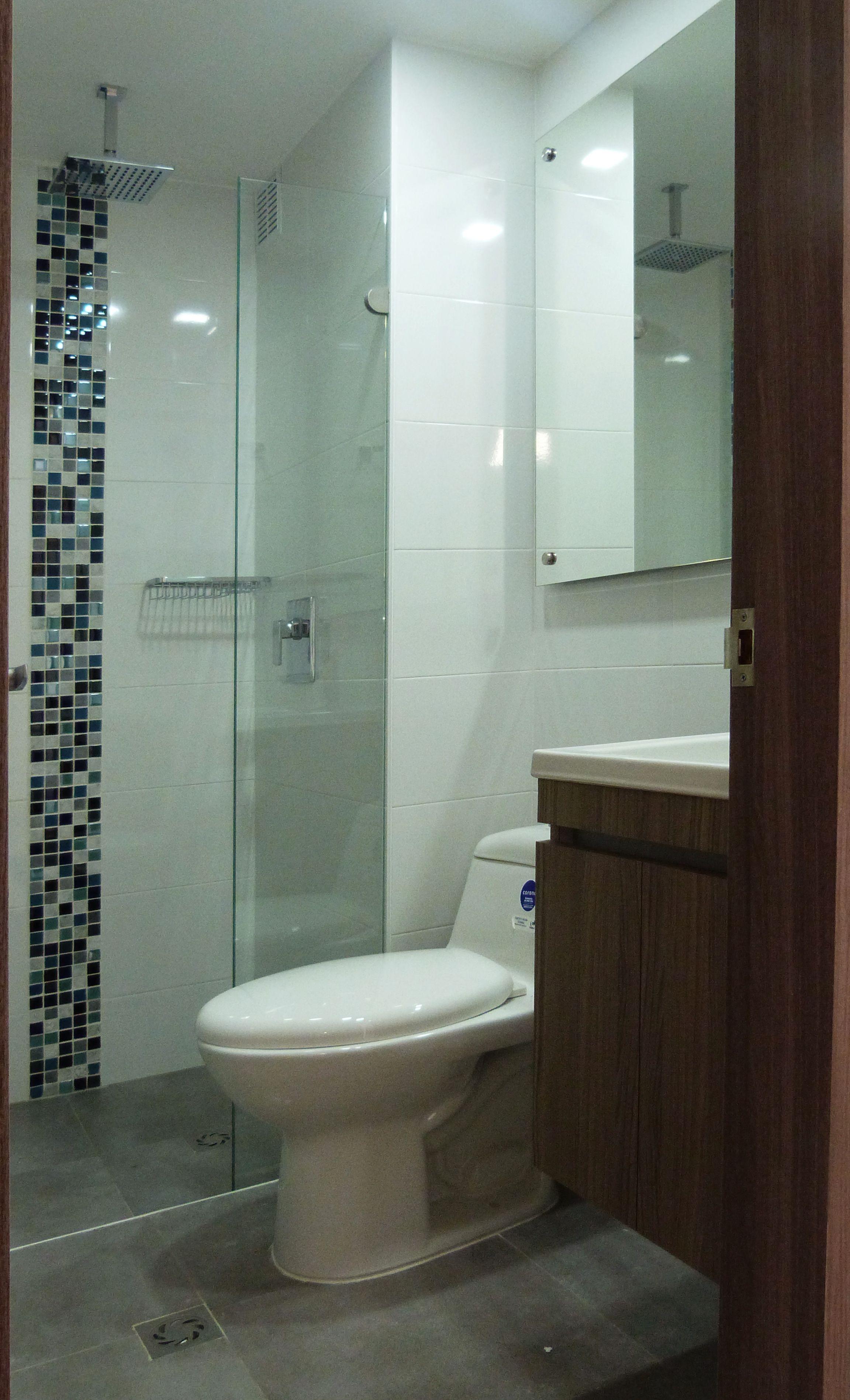 Renovación baño, mosaico azul en vidrio | Proyectos L2 Diseño ...