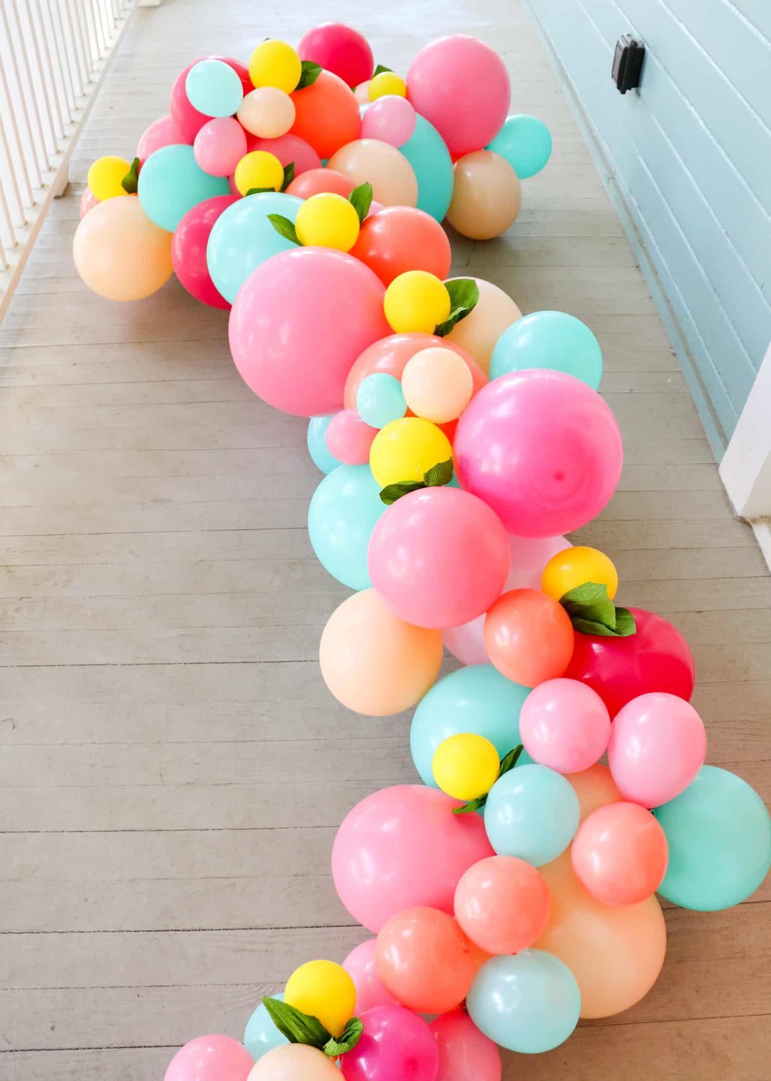 Machen Sie Eine Ballon Girlande Fur Ihre Haustur Ballongirlande