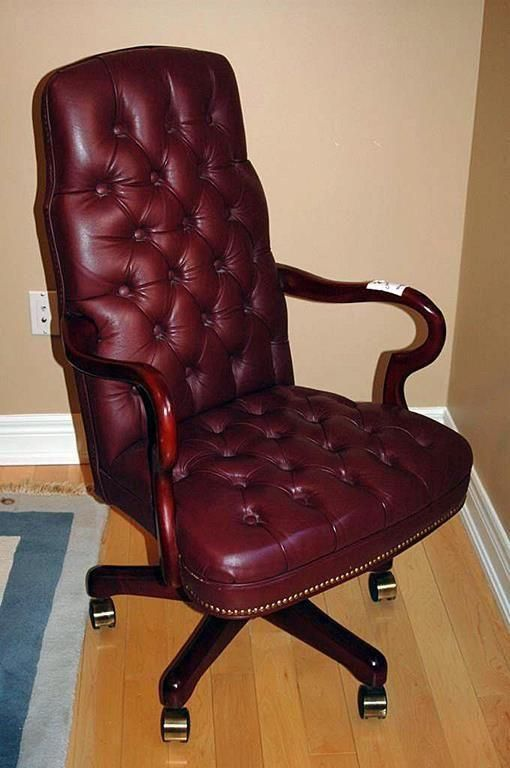 Pin By Ryder Savage On Garage Sale Office Chair Chair Round