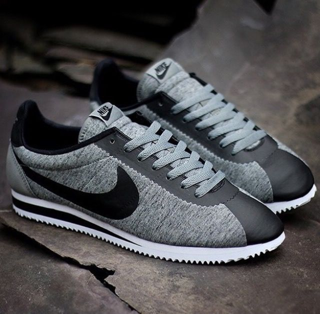 Black and gray Nike Fleece | Nike free shoes, Shoes mens ...
