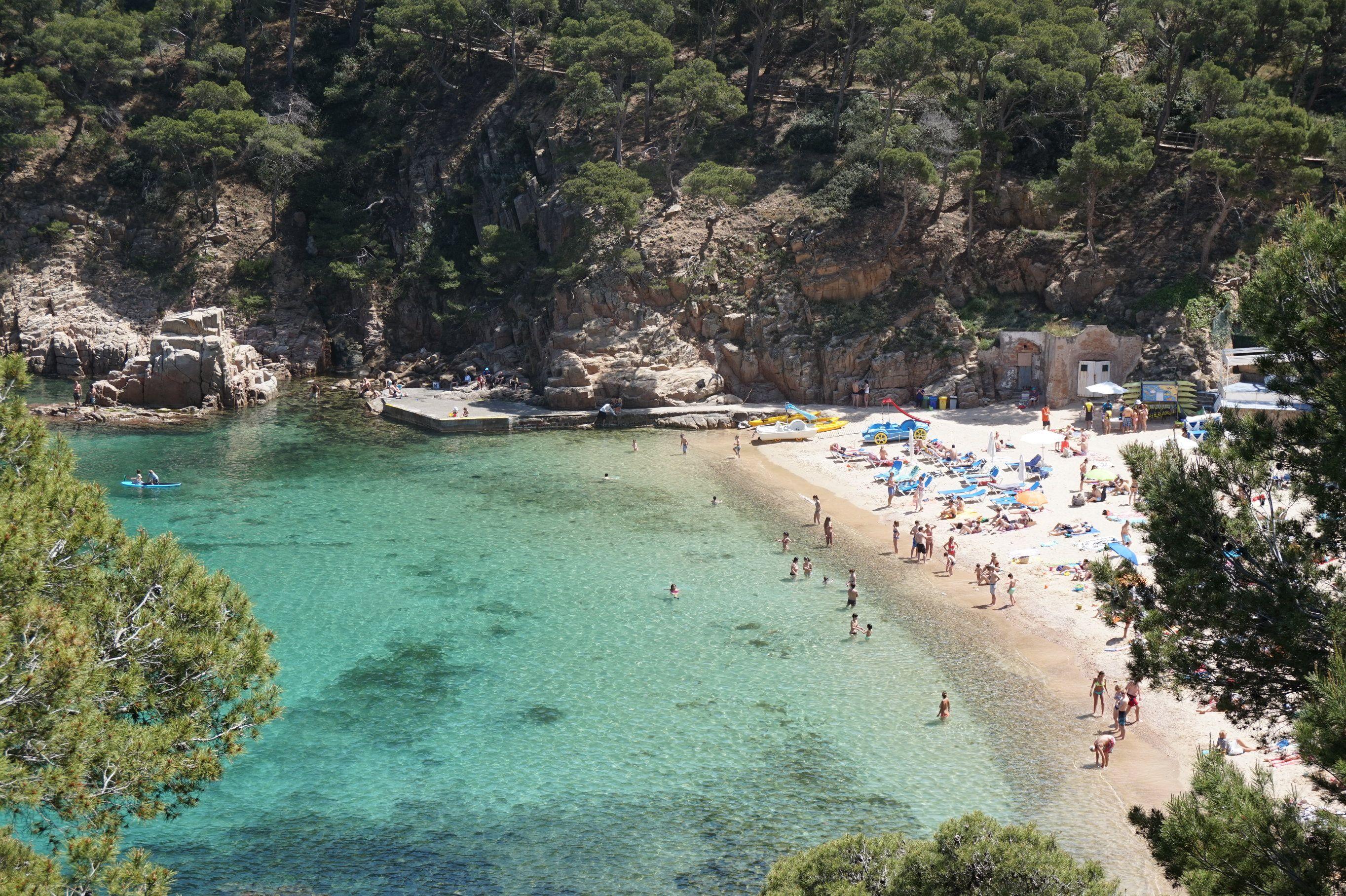 Begur A Tour Around Unspoilt Beaches In Costa Brava Playas Bonitas Recorrer El Mundo Y Turismo