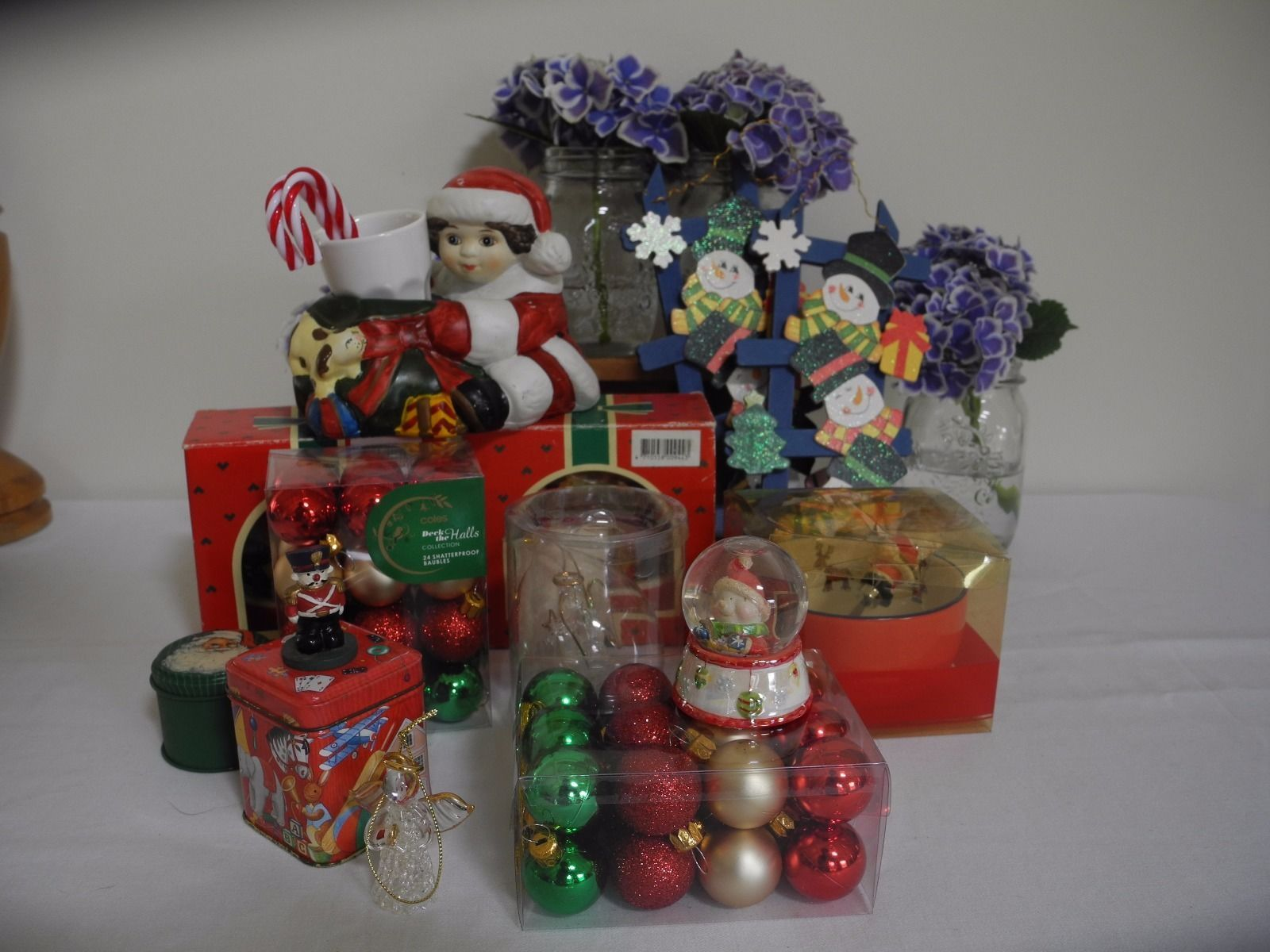 Mixed Bulk Lot Christmas Decorations Tins Ceramic Snow Domes in Collectables, Homeware, Kitchenware, Decorative Ornaments, Christmas, Holiday | eBay
