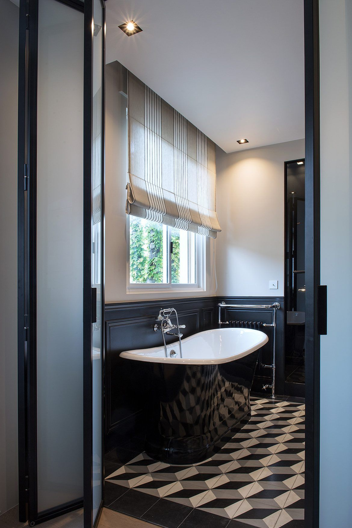 Square du roule marion d riot salle de bain retro en 2019 salle de bain 3m2 salle de bain - Salle de bain 3m2 ...