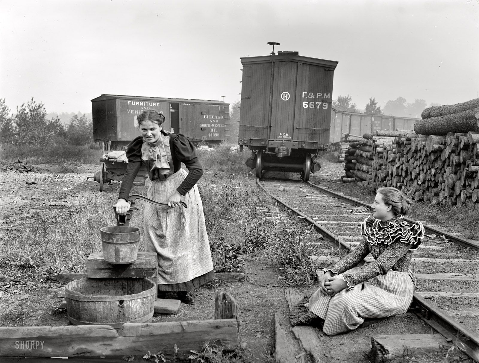 1939 Girls Working Paper Mill PHOTO Wisconsin,Great Depression,Railroad Cars