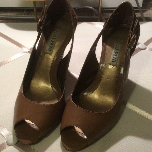Alfani nude heels Perfect for everyday wear Alfani heel size 6 ...