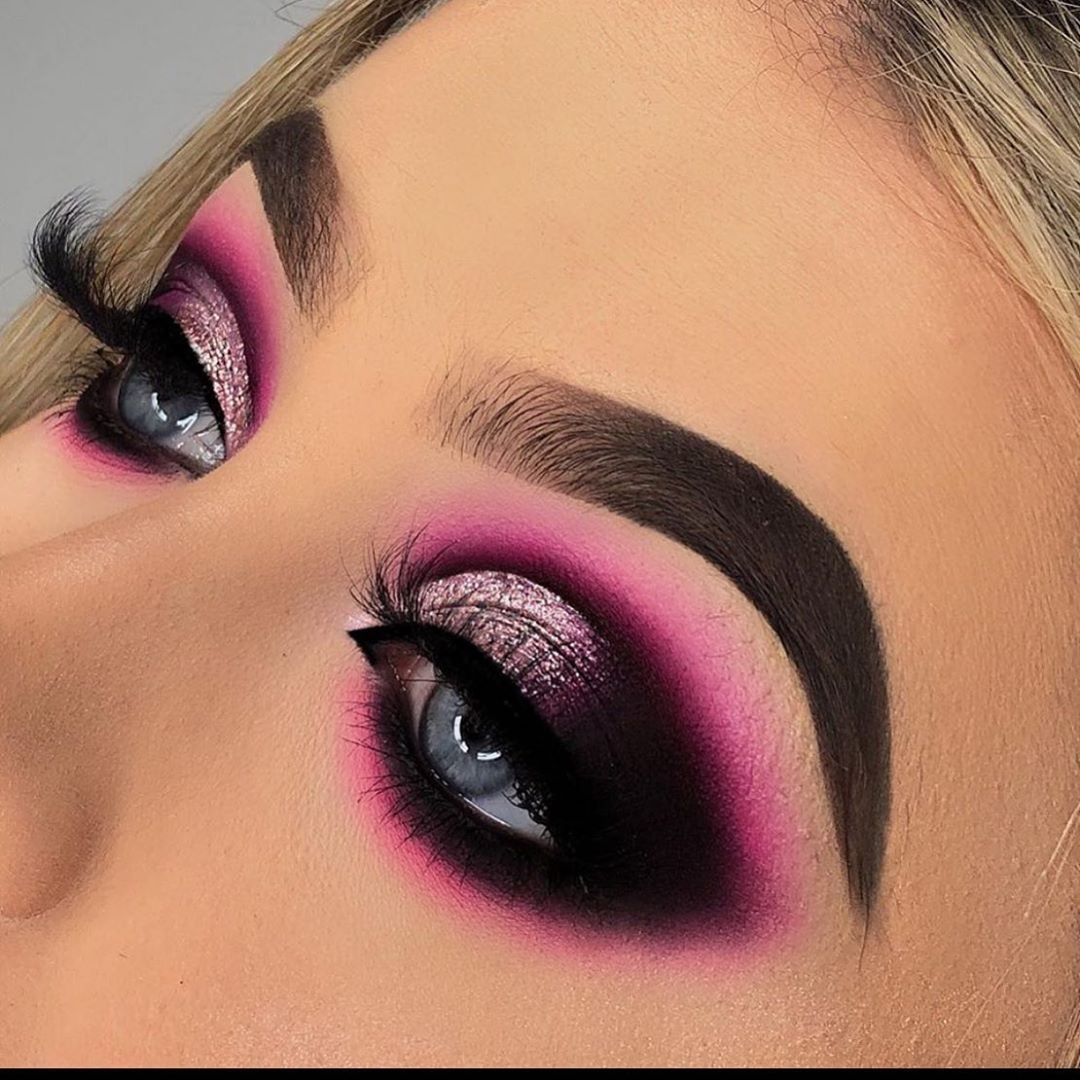 "💋Makeup serenity💋 on Instagram: ""Pink Smokey eye 💗💖 By @rubyhmua • • • • • •  #makeupvideos #eyemakeup #eyeshadowtutorial #eyeshadowlooks #eyemakeuplook #cutecreasemakeup…"""
