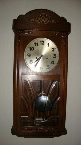 Fonkelnieuw Ouderwetse klok uit jaren 30 | Clocks - Klok, Woonaccessoires en QV-32