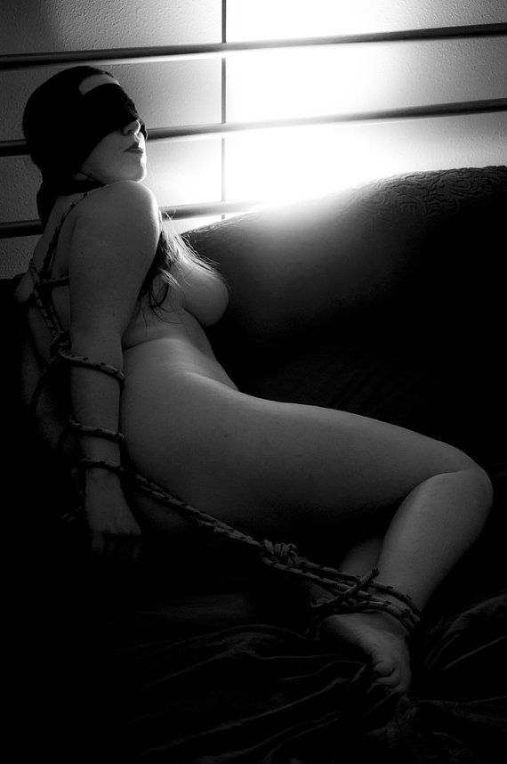 Nude tied up art — photo 6