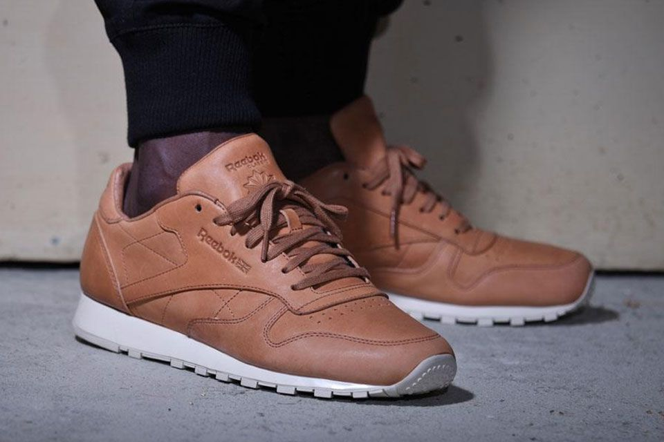 101a19deb9be7d Reebok Classic Leather LUX