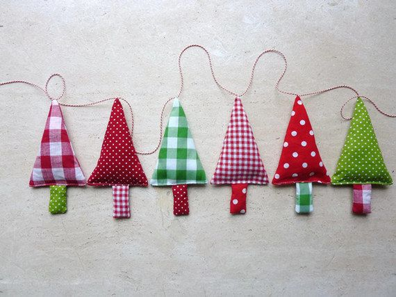 Fabric Christmas Tree Garland Banner Bunning Pennant In Green Red And White 35 Fabric Christmas Trees Christmas Bunting Christmas Crafty