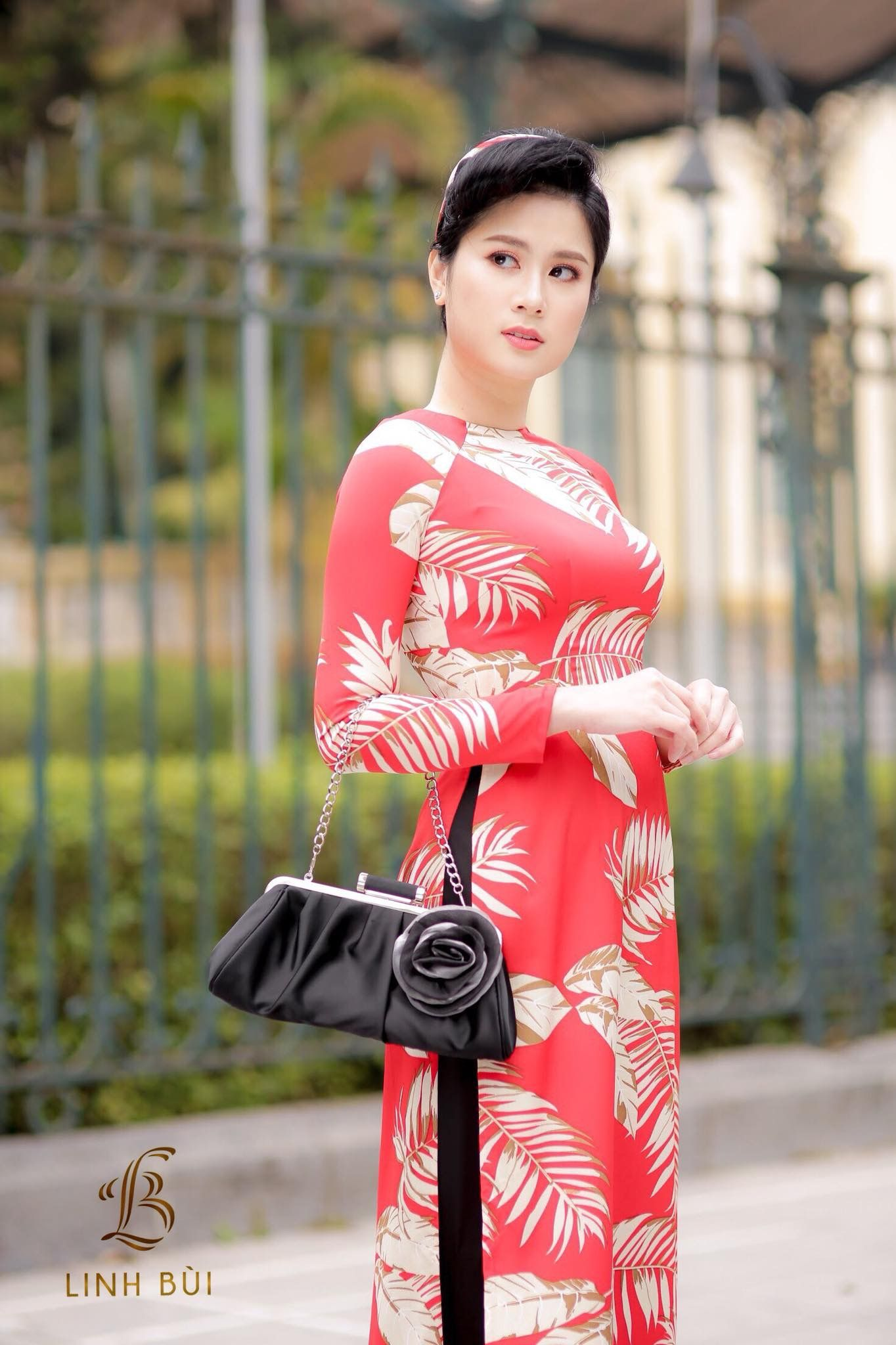 Bui Linh Phuong - Ao Dai by Linh Bui | mua xuan | Pinterest | Free