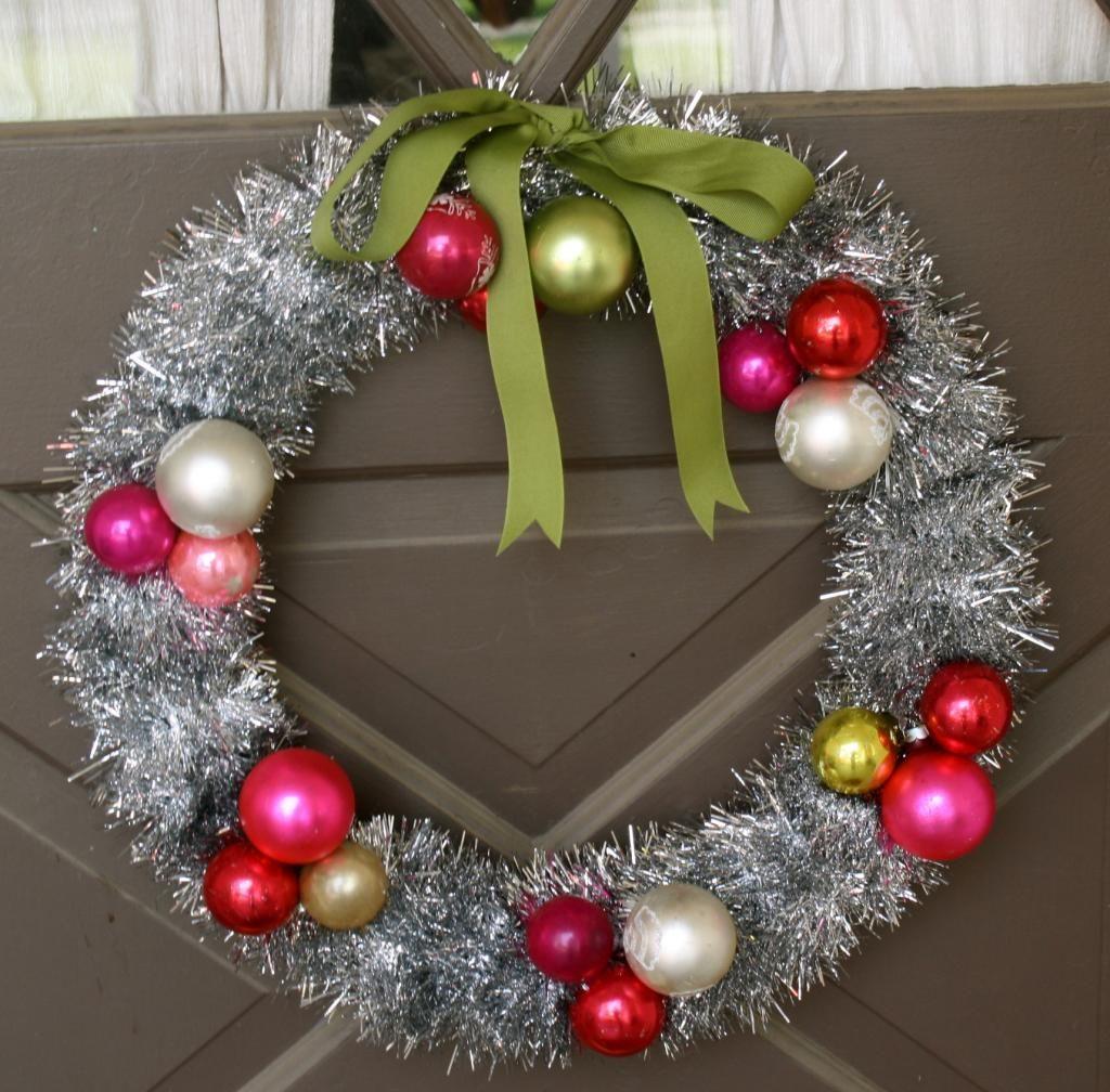Christmas Craft Tinsel Wreath Christmas Tinsel Holiday Crafts Diy Retro Christmas