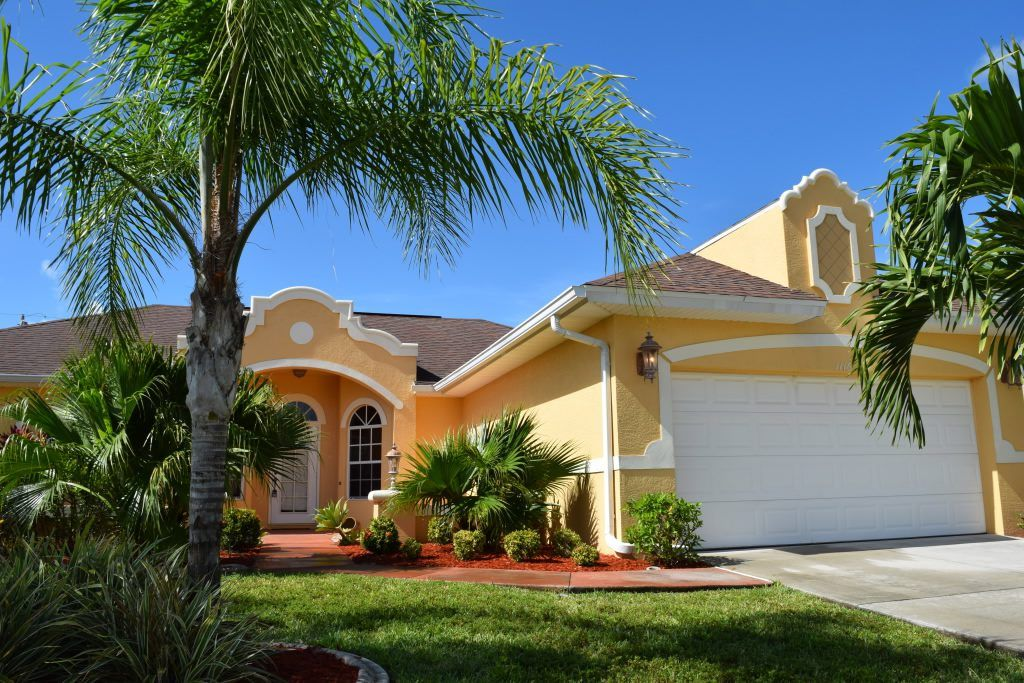 The Villa Nova is located in Cape Coral next to the Rose