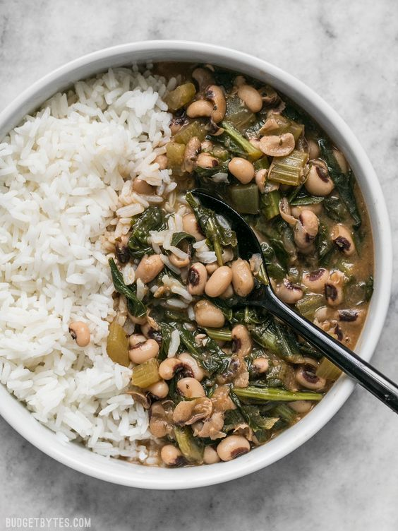 Slow Simmered Black Eye Peas and Greens