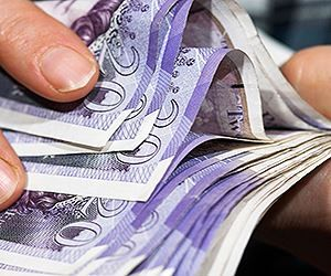 How to Get Paid £6720 Every Month Without a Job in the UK