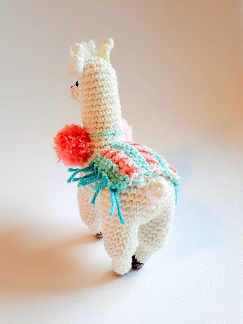 Roundup: 10 Free Crochet Patterns for Llamas (or Alpaca) - CrochetKim™ | 1059x794