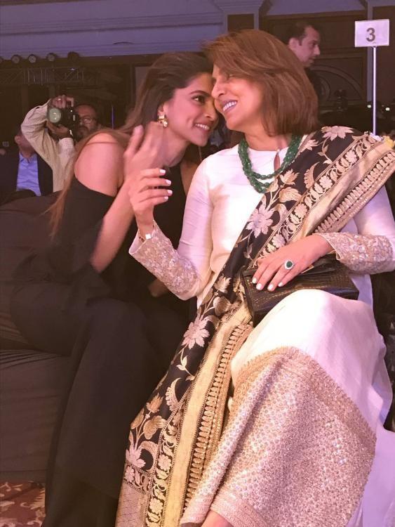 Is Deepika Padukone Gossiping About Ex Ranbir Kapoor With His Mom Neetu Kapoor Bollywood Celebrities Deepika Padukone Indian Celebrities