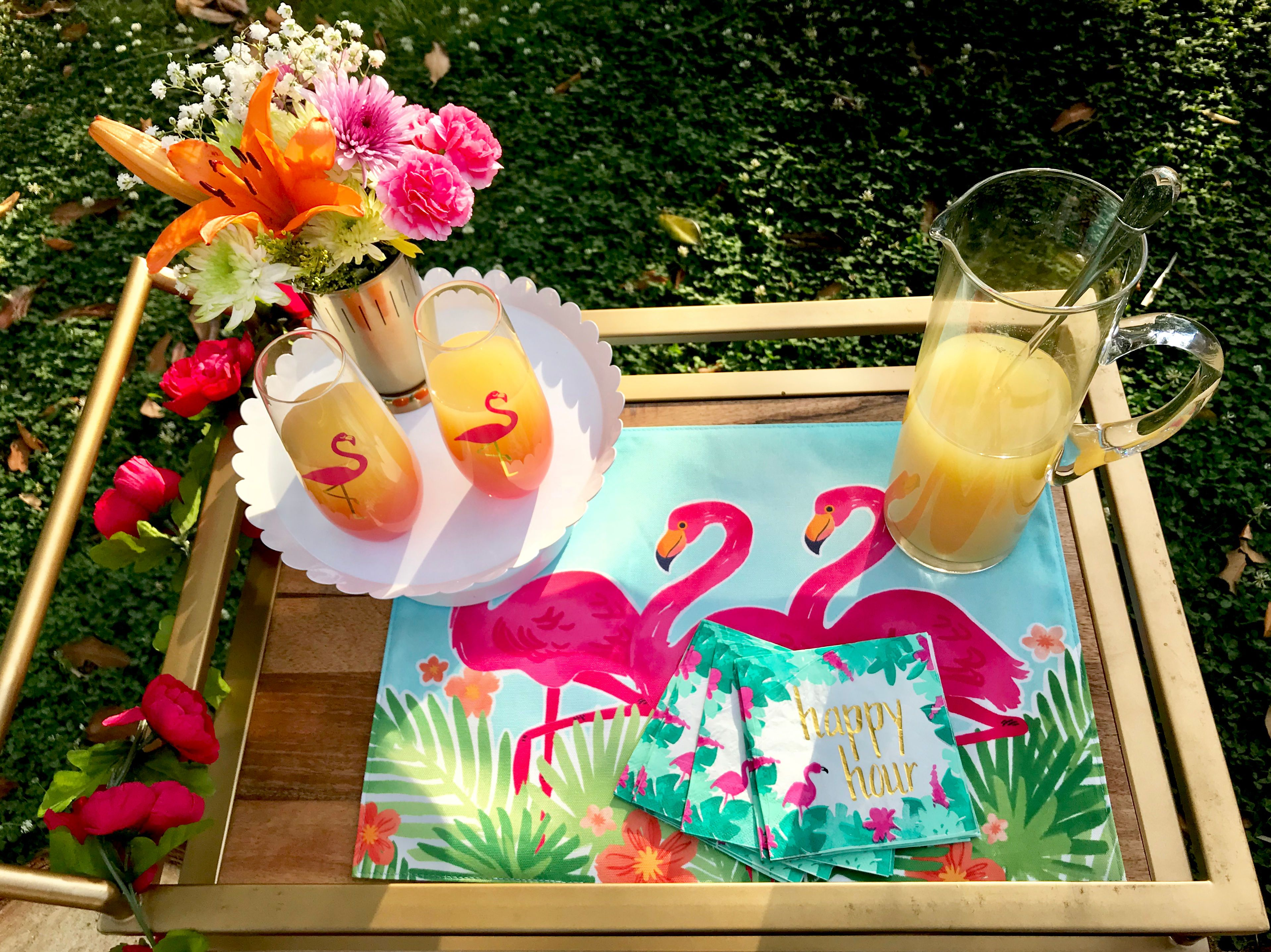 Tropical Flamingo Dinner Party Bar Cart #Flamingo #Flamingoparty #Pineapplemimosas #Mimosas