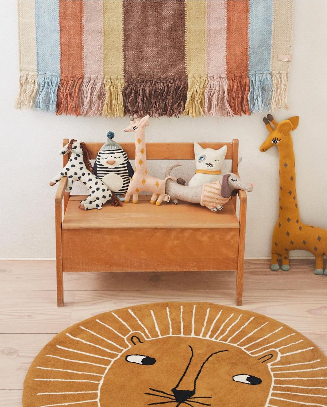 OYOY The Lion Rug Caramel Animal room, Kids room, Kids decor