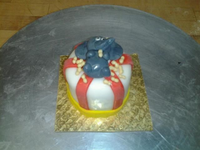 Peanut Party Mini Cake