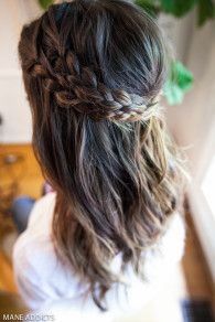 Christine Symonds & Odette Annable teach us #HowTo create this gorgeous braided halo #manespiration