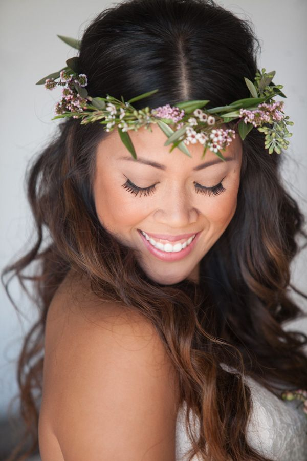 Bridal Floral Crown and loose curls // Photo by Studio EMP
