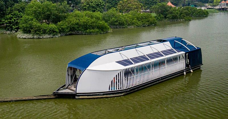 These Solar Powered Barges Can Scoop Up 50 Tons Of Plastic From Rivers Each Day In 2020 Solar Power Solar Barge