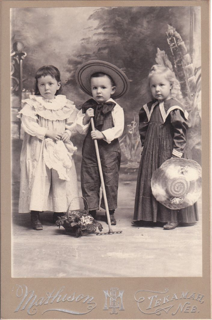 сколько стоят старинные фотографии фотографии никак