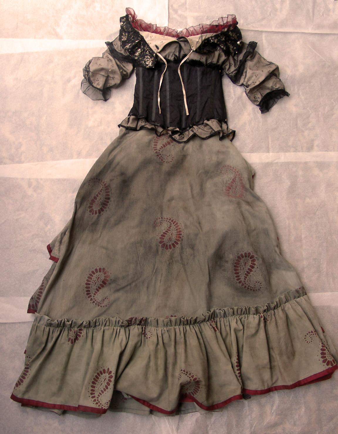 how to make a mrs lovett costume