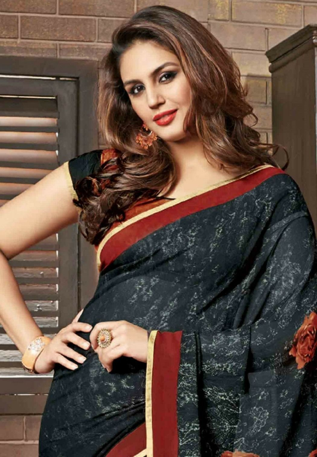 huma qureshi hot pic in saree bollywood hot actress