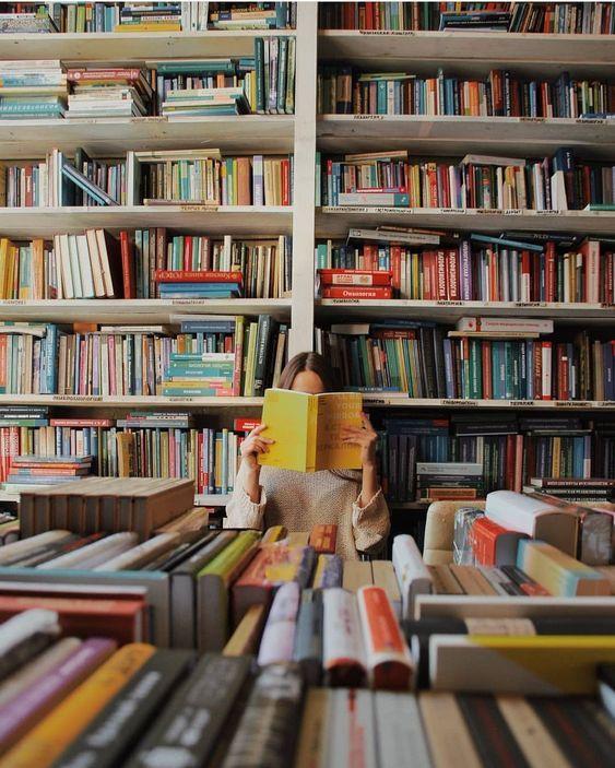 картинка много книг и журналов всего добавила гарнир