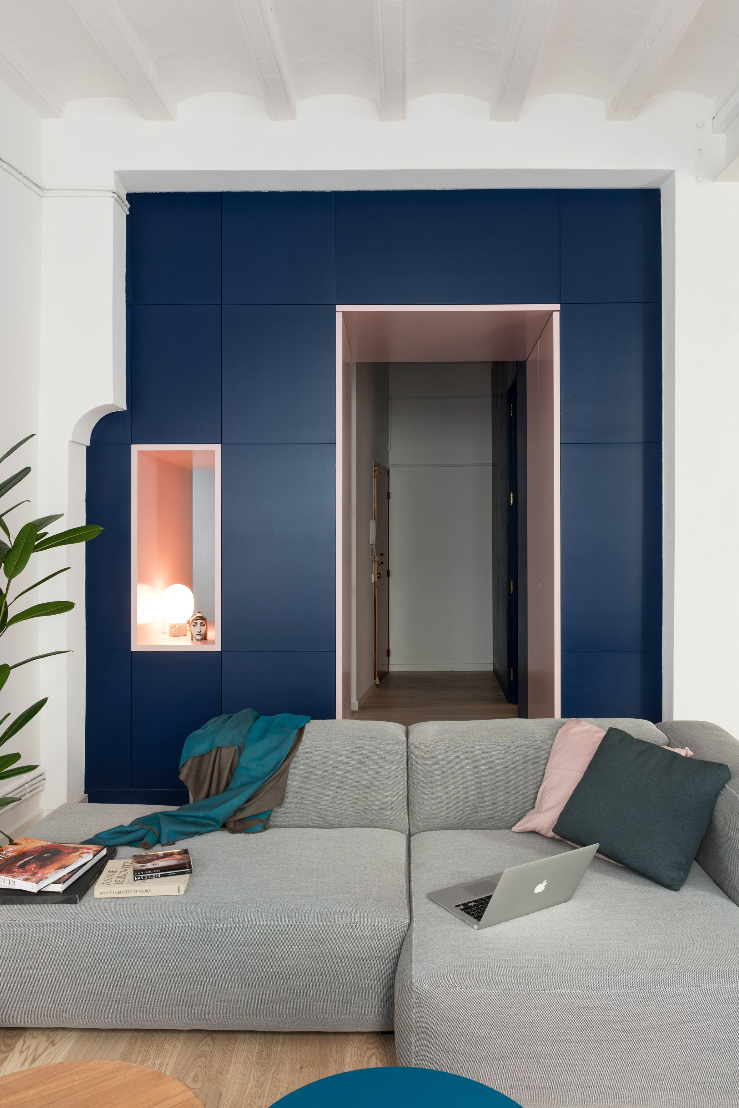 To Offer Some Separation Between The Home S Entranceway And The  # Muebles Qka Vigo