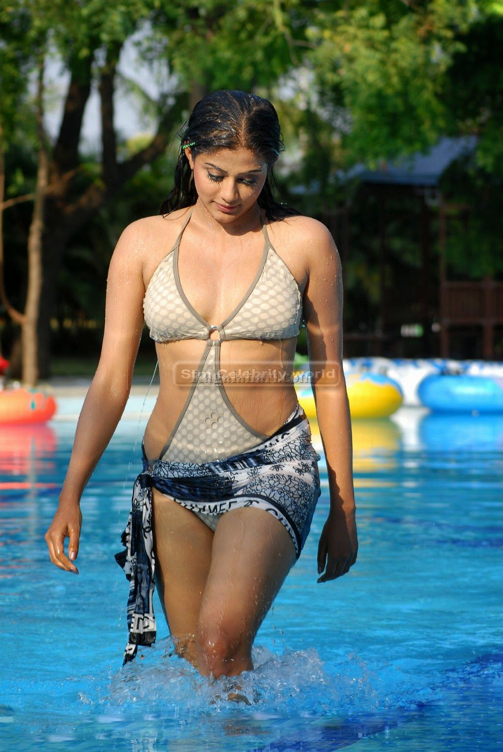 actress South bikini indian
