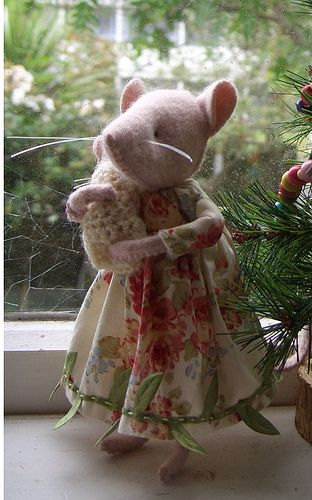 mamma mousie   Flickr - Photo Sharing!