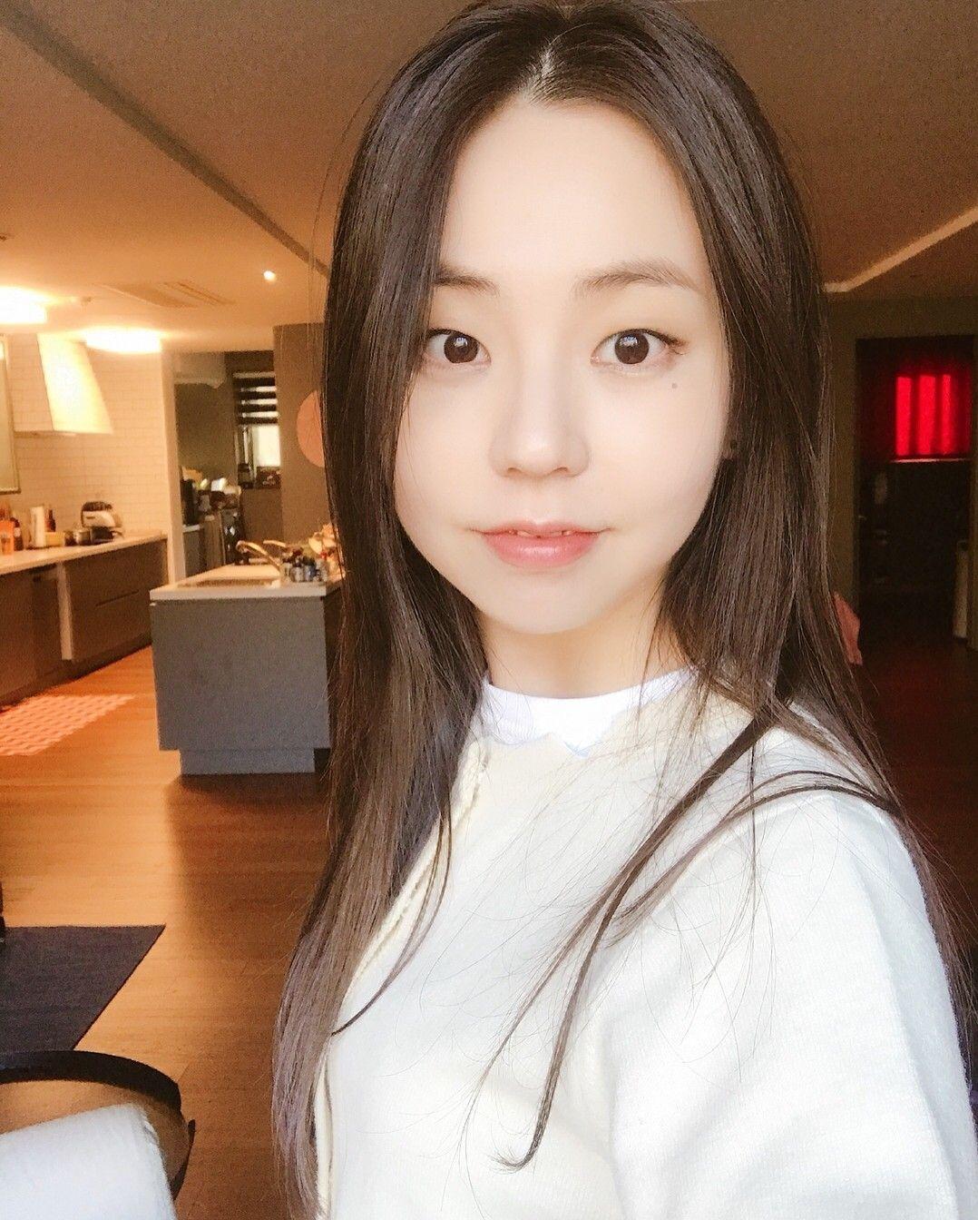 kpophqpictures:[CF] Ahn So Hee - Shu Uemura 1000x1600