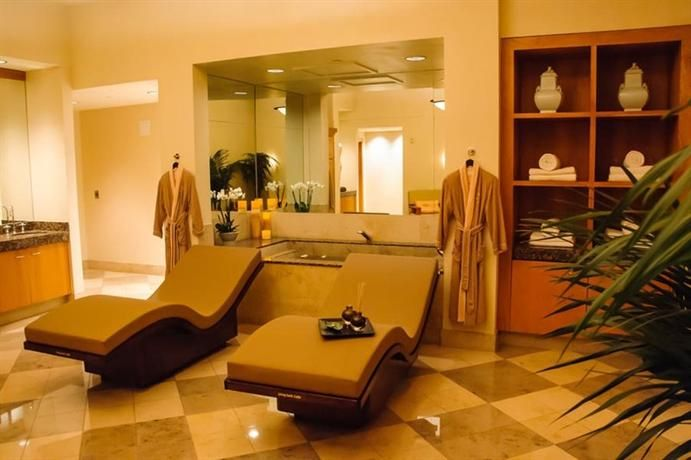 Hotel Deal Checker - MGM Grand Hotel and Casino