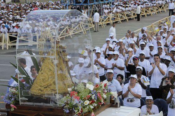 Foto tomada durante la misa de Benedicto XVI en la oriental provincia de Santiago de Cuba, Cuba   FOTO: Roberto Suárez