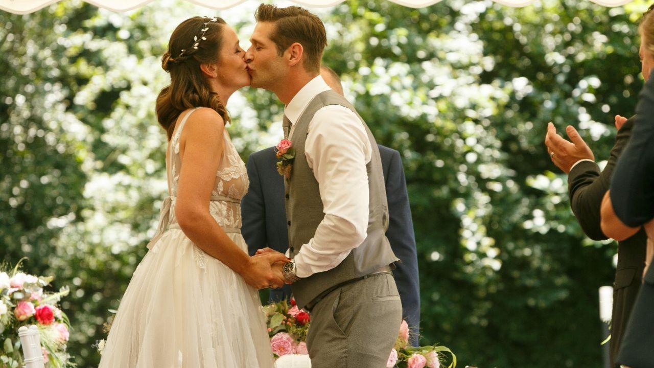 3000 Folge Der Rtl Serie Traumhochzeit Bei Alles Was Zahlt Heiraten Traumhochzeit Hochzeit