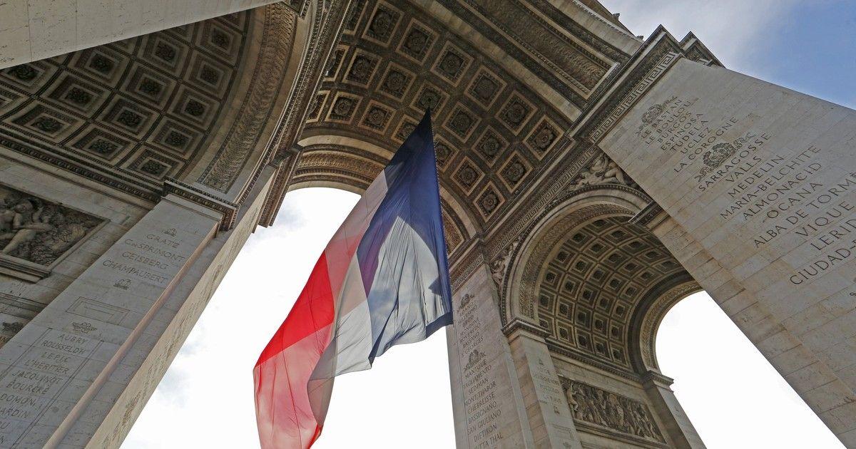 Por que novamente em Paris?