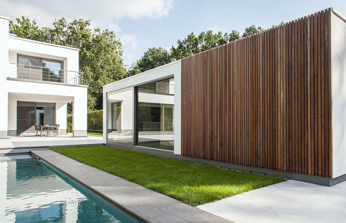 Modern poolhouse bogarden tuin pinterest modern hout en